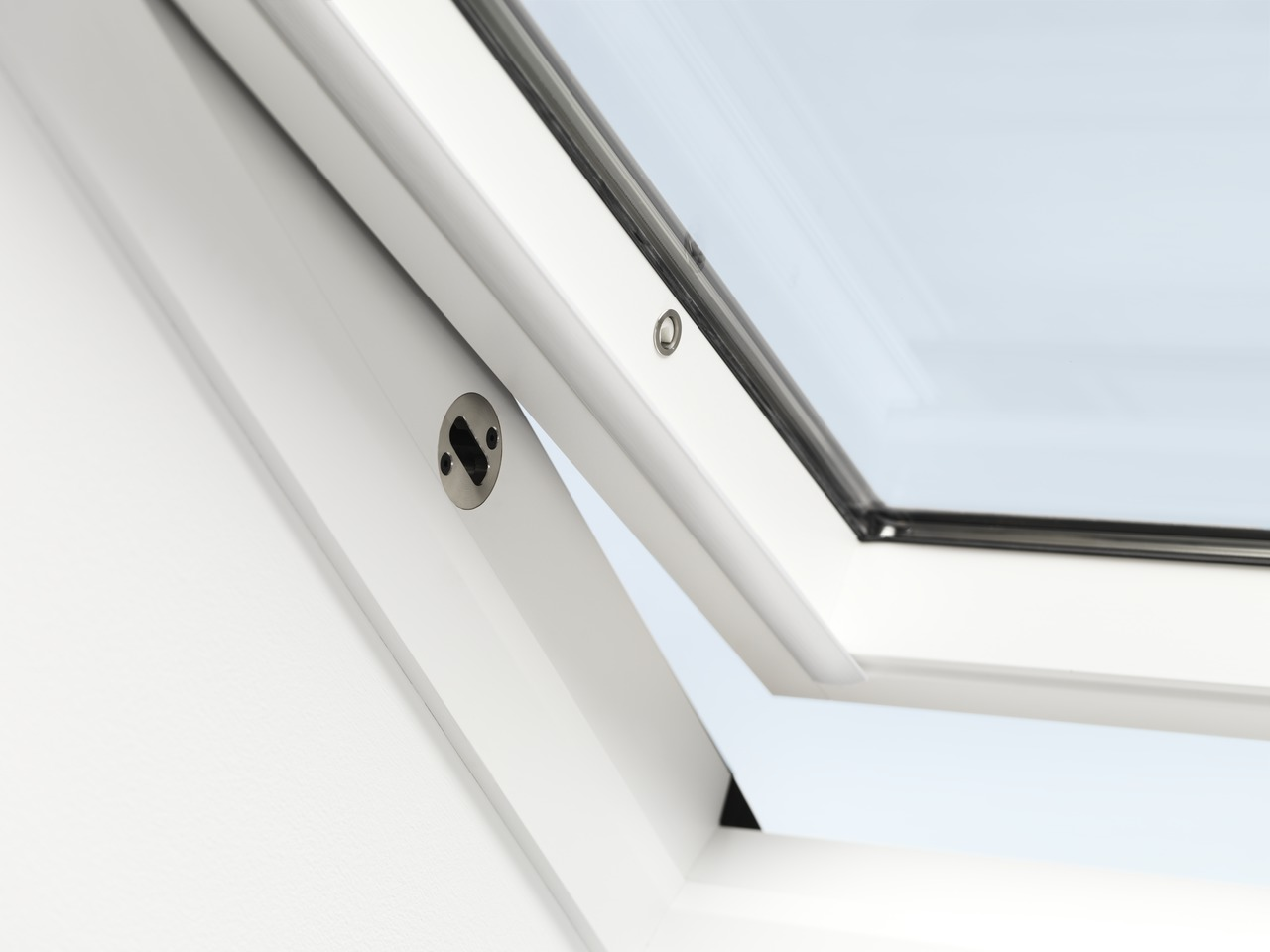 Finestre per tetti velux antieffrazione rivenditore velux for Velux lucernari